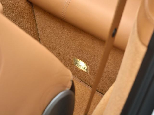 911カレラGTS カブリオレ ワイドボディ パワーアップKIT スポーツエグゾースト センターロックRSホイール BOSEサウンド レザー仕上げインテリア ベンチレーション イルミエントリガード(45枚目)