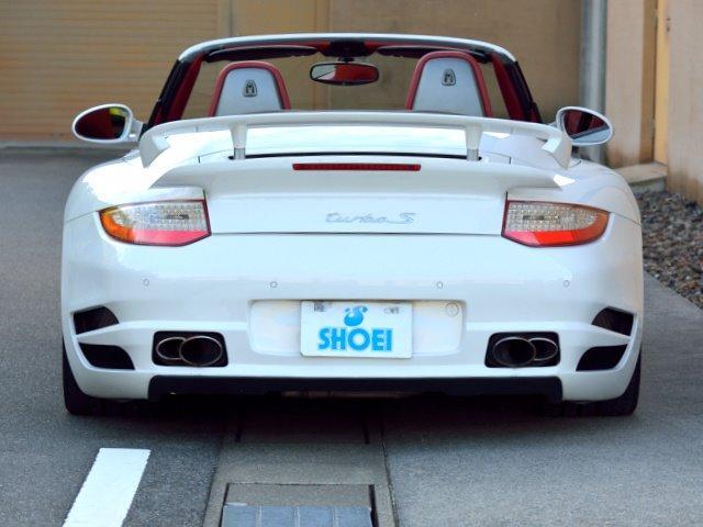 911ターボ カブリオレ TechArtスタイリング エキゾーストパイプ カレラレッドナチュラルレザー 19インチセンターロックAW スポーツクロノ RUFコイルスプリングキット アダプティブスポーツシート プロテクフイルム(11枚目)