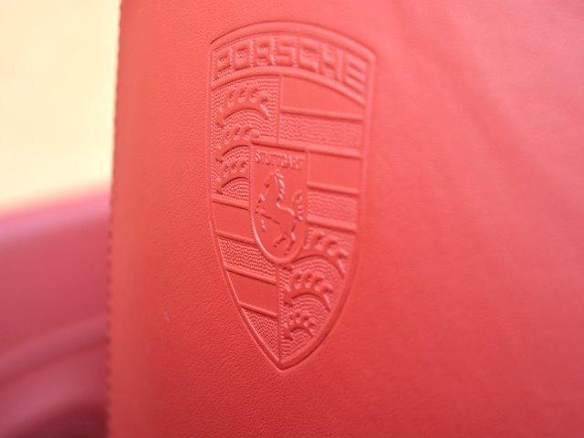911ターボ カブリオレ TechArtスタイリング エキゾーストパイプ カレラレッドナチュラルレザー 19インチセンターロックAW スポーツクロノ RUFコイルスプリングキット アダプティブスポーツシート プロテクフイルム(25枚目)