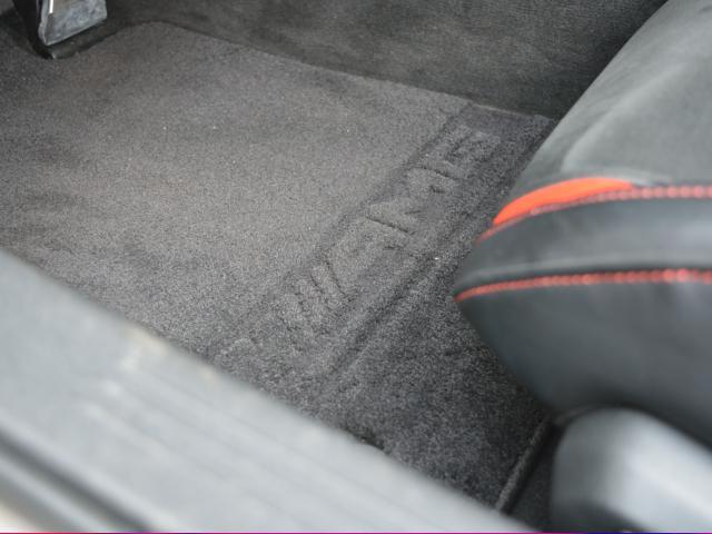 S S(2名) エディション1 国内限定75台 Edition1専用エアロパーツ カーボンファイバールーフ AMGパフォーマンスシート マットブラックペイント19/20インチクロススポークアルミホイール(28枚目)