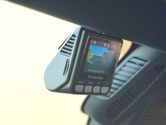 GLA45 S 4マチック+ ワンオーナー 70K AMGアドバンスドPKG AMGパフォーマンスPKG パノラマスライディングルーフ パタゴニアレッド(メタリックペイント)有償OP 純正ドラレコF&R レーザーレーダー(27枚目)