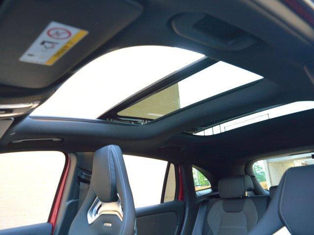 GLA45 S 4マチック+ ワンオーナー 70K AMGアドバンスドPKG AMGパフォーマンスPKG パノラマスライディングルーフ パタゴニアレッド(メタリックペイント)有償OP 純正ドラレコF&R レーザーレーダー(42枚目)
