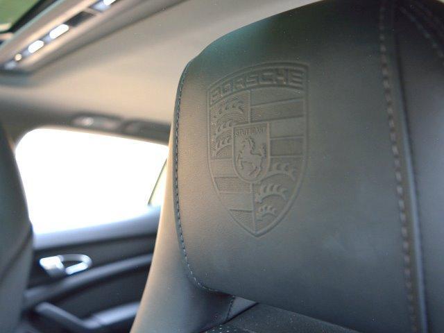 4S 右H スポーツエグゾースト Sクロノ 20インチAW ソフトクローズドア BOSE デコラティブ・インレーレザーP PアシストF&R+リアルT LEDヘッドライト ヘッドレスト エア・サス E%D(23枚目)
