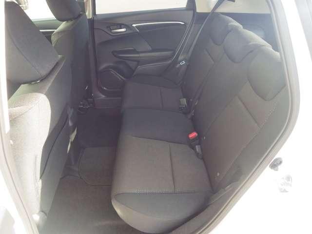 ホンダ フィットハイブリッド Fパッケージ 3年保証付 当社試乗車 新車保証継承