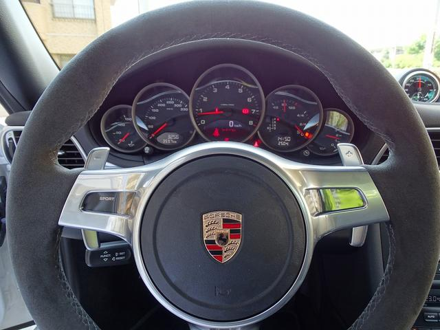 911カレラ4GTS 既存客様買取車 ワンオーナー 禁煙車 スポーツクロノパッケージ 純正フロントスポイラー 19AW PASM スポーツエグゾースト シートヒーター オートエアコン 地デジTV GPSレーダー(11枚目)