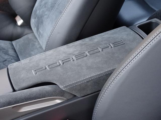 911カレラ4GTS 既存客様買取車 ワンオーナー 禁煙車 スポーツクロノパッケージ 純正フロントスポイラー 19AW PASM スポーツエグゾースト シートヒーター オートエアコン 地デジTV GPSレーダー(15枚目)