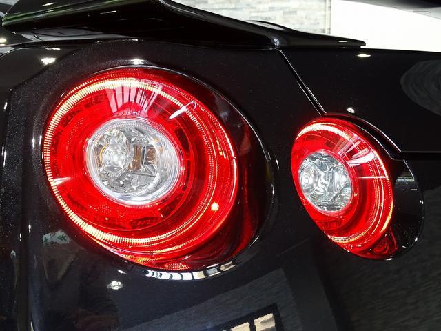 プレミアムエディション 18年モデル ワンオーナー ファッショナブルインテリア BOSEサウンド 純正20AW サッチャム準拠防盗システム チタン合金マフラー プライバシーガラス フロアマットプレミアム黒(32枚目)