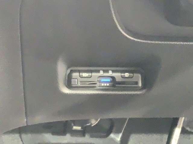 ベーシック Hセンシング 試乗車 9インチナビ Bluetooth 衝突軽減 横滑り防止装置 禁煙車 スマートキー クルコン バックカメラ メモリーナビ LED キーレスエントリー パーキングセンサー(17枚目)
