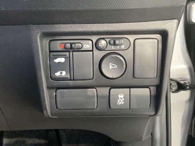 G ジャストセレクション CDデッキ HID ETC スマートキー ETC付 HIDヘッドライト ウォークスルー CDコンポ 3列シート VSA キーレスエントリー ABS パワステ スマキ- 1オーナー車 イモビ エアバック(6枚目)