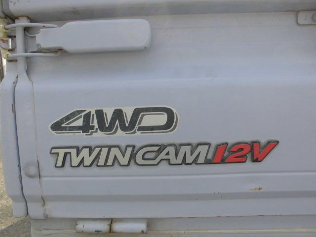 ツインカム12バルブの4WDです!