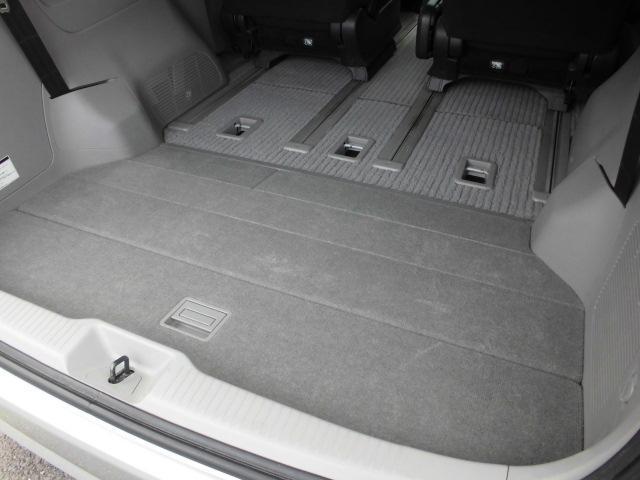 サードシート収納でこのスペース!!オプションリアボード付き!