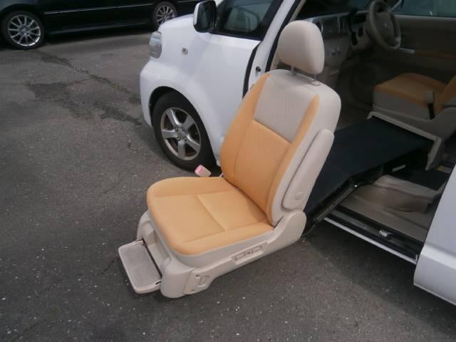 トヨタ ポルテ 150r ウェルキャブ 助手席リフトアップシート