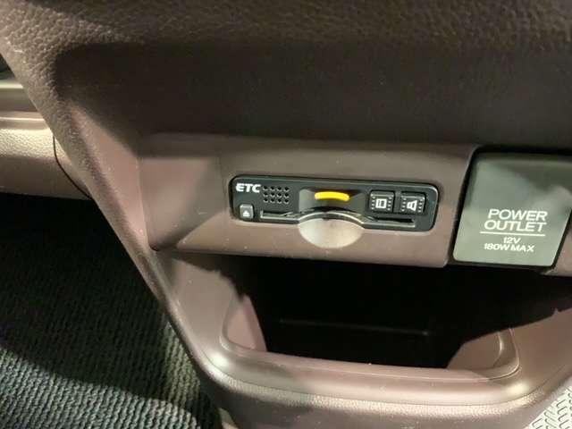 プレミアム 用品ナビ リアカメラ 禁煙 HID アルミ CD再生 DVD アイドリングストップ ETC車載器 ワンセグTV VSA ABS ベンチシート(17枚目)