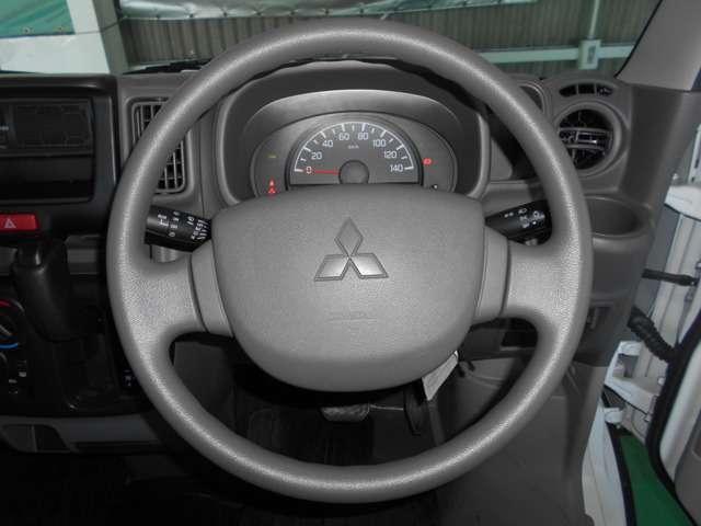 SRSデュアルエアバック(運転席&助手席)/EBD機能付ABS