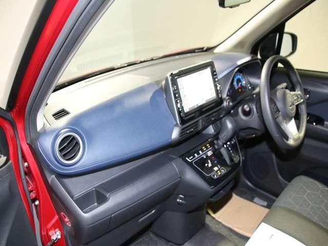 Tターボ 2WD 先進安全&快適パッケージ 9インチ純正ナビ(8枚目)