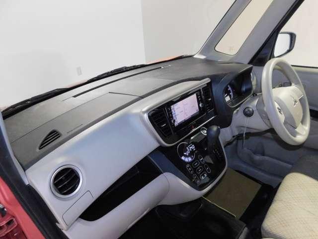 SRSデュアル(運転席・助手席)+サイドエアバック/EBD機能付ABS/ASC(横滑り防止&トラクションコントロール機能)