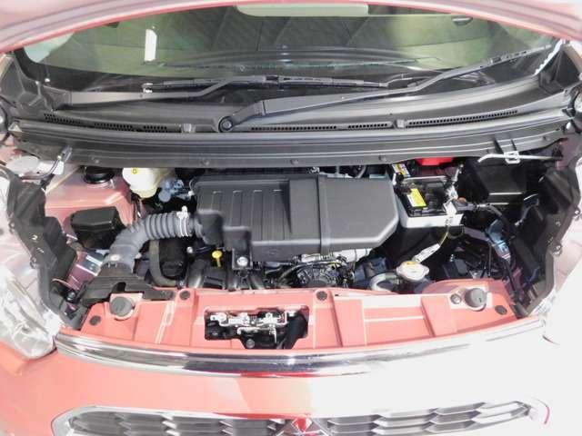 ディーラー整備士による上質な納車前点検整備を実施します。点検・整備費用は車両本体価格に含んでいますので、別途申し受けは致しません。