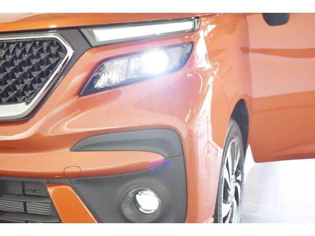 カスタムハイブリッドMV全方位カメラ付ナビパッケージ 2WD ・スマートフォン連携9インチナビ・マルチアラウンドモニター・ヘッドアップディスプレイ・LEDヘッド&ポジション+LEDフォグ・両側電動スライドドア・両席シートヒーター・パーキングソナー・(8枚目)