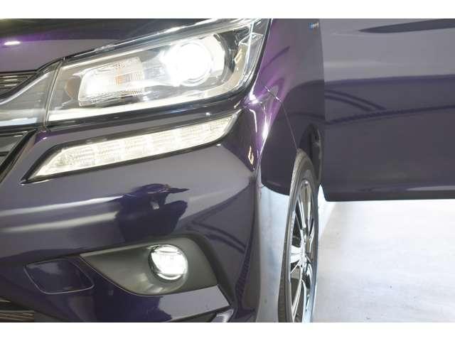 カスタムハイブリッドSV 全方位カメラパッケージ 2WD ・CDステレオ・パドルシフト・両側電動スライドドア・両席シートヒーター・LEDヘッドライト+LEDフォグランプ・nano-e搭載フルオートエアコン・シートバックテーブル・ロールサンシェード(8枚目)