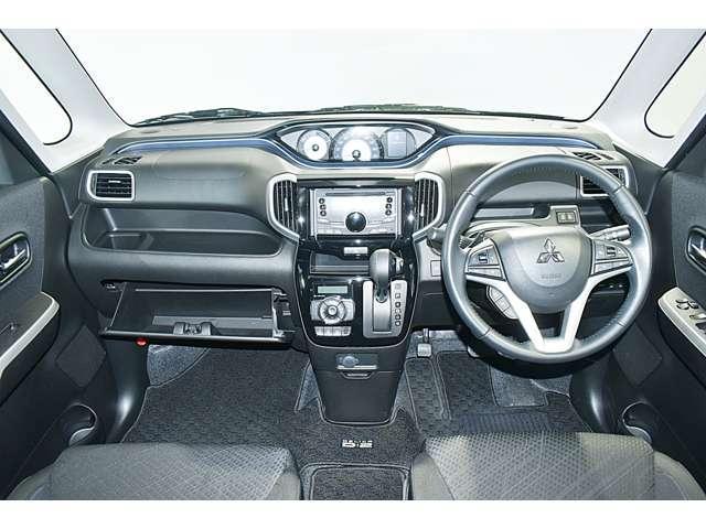 カスタムハイブリッドSV 全方位カメラパッケージ 2WD ・CDステレオ・パドルシフト・両側電動スライドドア・両席シートヒーター・LEDヘッドライト+LEDフォグランプ・nano-e搭載フルオートエアコン・シートバックテーブル・ロールサンシェード(11枚目)
