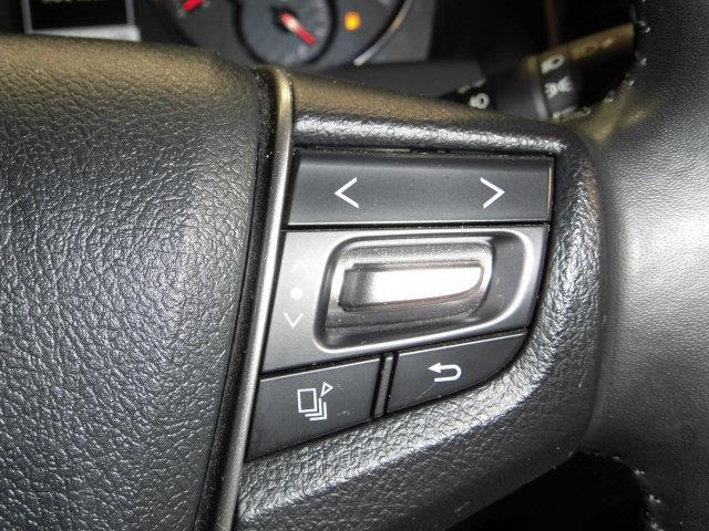 こちらのスイッチは、メーター内のマルチインフォメーションディスプレイのスイッチです。