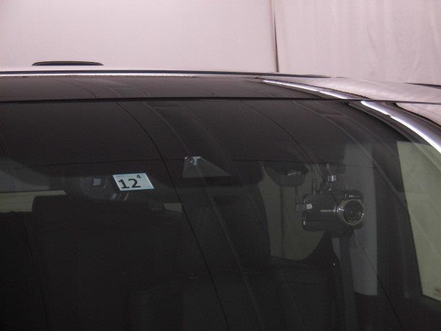 2.5S Cパッケージ サンルーフ フルセグ メモリーナビ DVD再生 ミュージックプレイヤー接続可 後席モニター バックカメラ 衝突被害軽減システム ETC ドラレコ 両側電動スライド LEDヘッドランプ 乗車定員7人(18枚目)