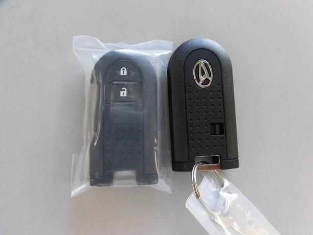 キーフリーシステム(イモビライザー機能付)リモコンキー2個付き!持ってるだけでOK。鍵の出し入れは不要です
