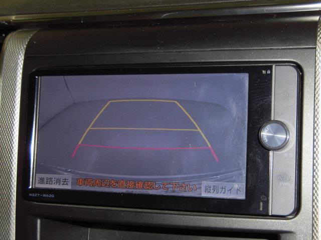 X 4WD フルセグ メモリーナビ DVD再生 ミュージックプレイヤー接続可 バックカメラ ETC 両側電動スライド HIDヘッドライト 乗車定員7人 3列シート アイドリングストップ(10枚目)