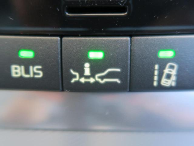 ボルボ ボルボ V60 T6 AWD Rデザイン 純正ナビ 禁煙車 黒革 HID