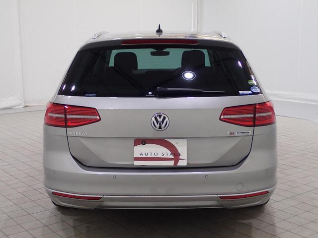 フォルクスワーゲン VW パサートヴァリアント TSIハイライン 1オーナー 茶革 純正ナビ LED ACC
