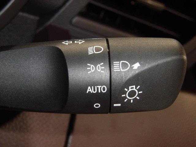 X S フルセグ メモリーナビ DVD再生 ミュージックプレイヤー接続可 バックカメラ 衝突被害軽減システム ETC 電動スライドドア アイドリングストップ(16枚目)