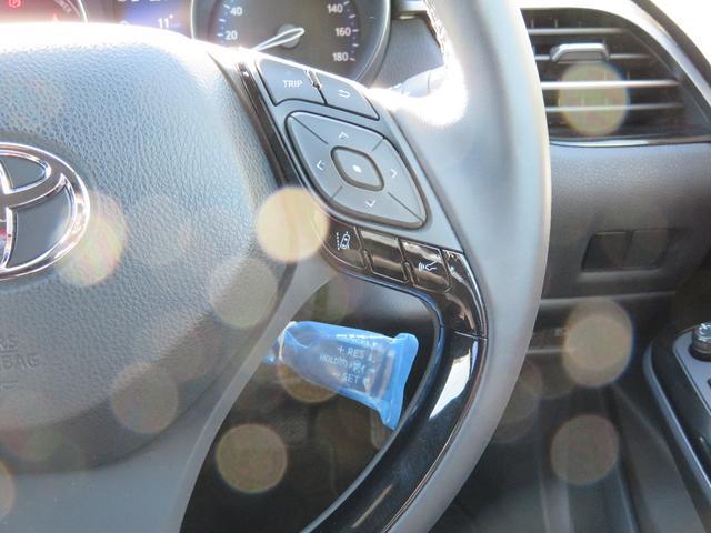 トヨタ C-HR G 純正9インチナビ ETC LEDヘッドライト