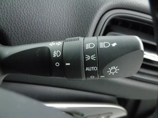 S フルセグ メモリーナビ DVD再生 ミュージックプレイヤー接続可 バックカメラ 衝突被害軽減システム ETC ドラレコ LEDヘッドランプ 記録簿 アイドリングストップ(20枚目)