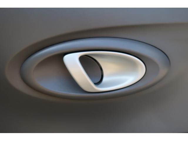 プレミアムブラックリミテッド ストラーダSDナビ&フルセグTV&Bluetooth&DVD&バックモニター ETC ドラレコ タイミングベルト&ウォーターポンプ交換 RS-Rダウンサス 社外15AW フジツボマフラー HIDヘッド(28枚目)