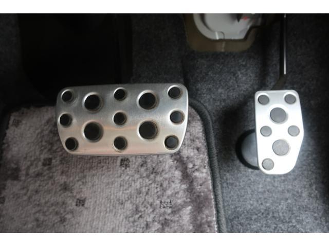タイプS 4WD スーパーチャージャー HIDヘッド YUPITERUポータブルナビ地デジ 前後2カメラドライブレコーダー ETC オートエアコン 純正15inchアルミ キーレス 赤黒革巻ハンドル&シフトレバ(27枚目)