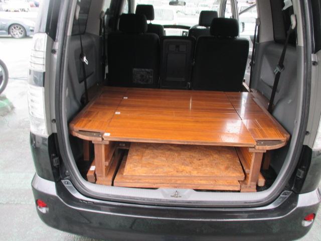 トヨタ ヴォクシー 4ナンバー登録 荷室木製ベッド パドルシフト