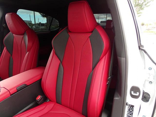シートの使用感も少なく、とても綺麗な状態です!フロントシートには、シートヒーターとベンチレーション機能が搭載されておりますので、一年中快適なドライブをお楽しみ頂けます!