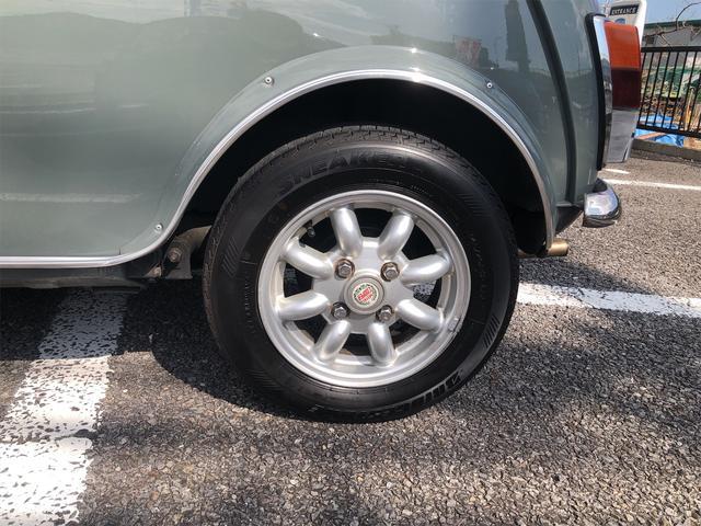 クーパー 4速MT Hi-Loコイルスプリング公認 色替全塗装済 ルーフライナー張替済 モトリタウッドステアリング 1年保証(19枚目)