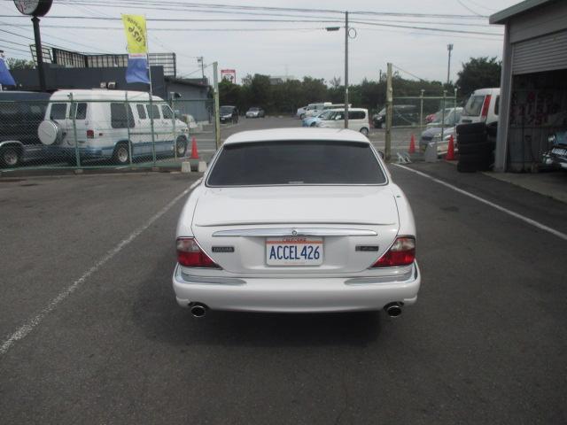 ジャガー ジャガー XJ エグゼクティブV8 アーデン仕様 左H 自社顧客買取車