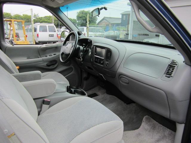 XLT 新並 4WD 記録簿 ベッドライナー ナビ 地デジ(19枚目)