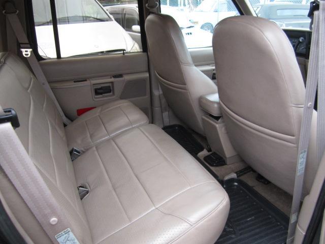 「フォード」「フォード エクスプローラー」「SUV・クロカン」「愛知県」の中古車17