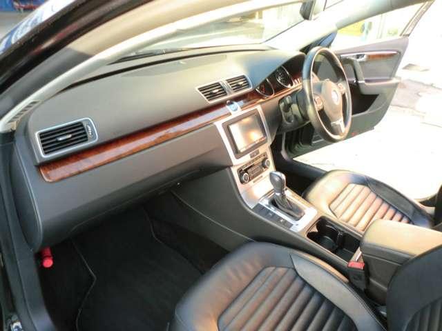 フォルクスワーゲン VW パサートヴァリアント 1.4TSIハイライン 地デジ対応ナビ バックカメラ ETC