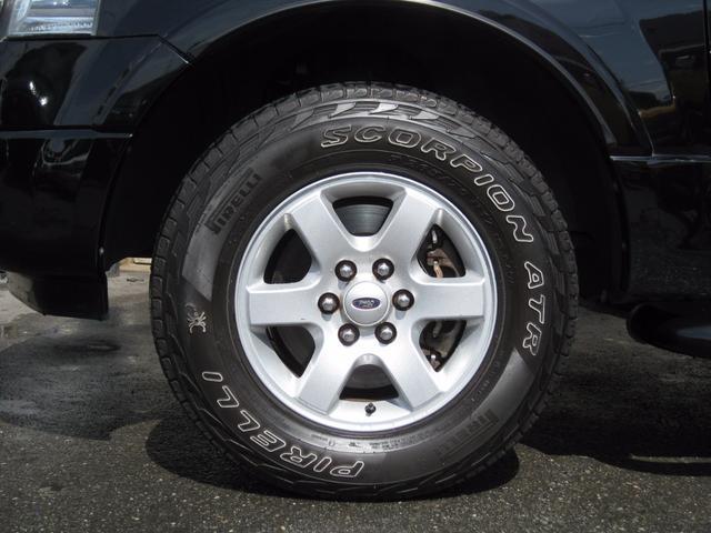 フォード フォード エクスペディション XLT 4WD ベンチシート HDDナビ 新車並行