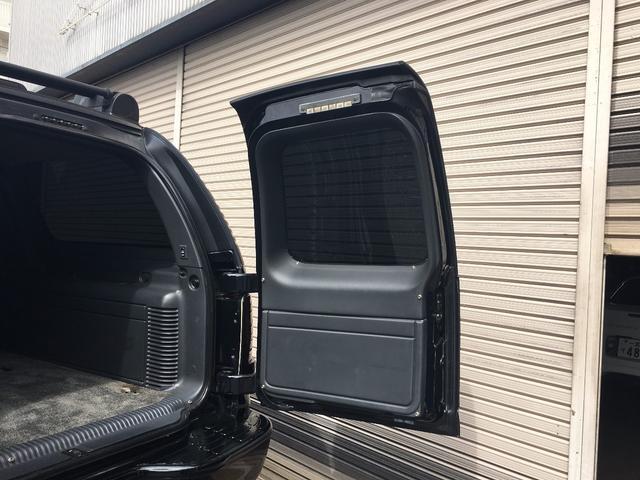 シボレー シボレー サバーバン Z71 4WD グレー革 サンルーフ リフトアップ