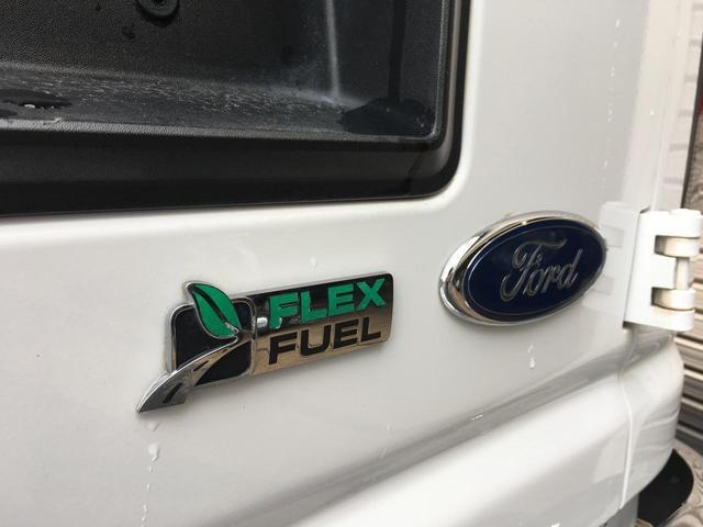 フォード フォード E-150 XLT OUTDOOR-pkg リフトアップ フラットシート