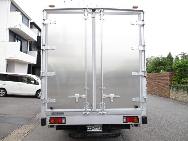 観音ドア交換済み パブコアルミウイング 荷室 長さ453x幅208x高さ212センチ 最大積載量2000キロ 車両総重量5925キロ BDG-XZU414 5速 内外装キレイ