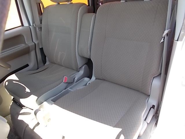 車いす移動車 後部電動固定 リヤシート付(4枚目)