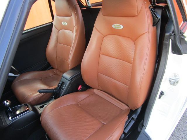 アクティブトップ CD/運転席・助手席エアバック/電動式格納ミラー/禁煙車/シートヒーター/ABS/エアコン/パワーウィンドウ(8枚目)
