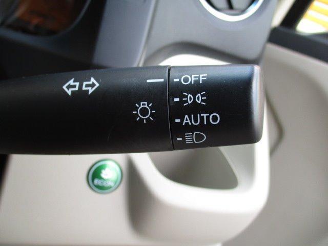 G SSコンフォートLパッケージ ナビ/スマートキー/ETC/電動式格納ミラー/HID/プライバシーガラス/運転席・助手席エアバック/ABS/エアコン/パワーウィンドウ/車輌取扱説明書/保証書(15枚目)