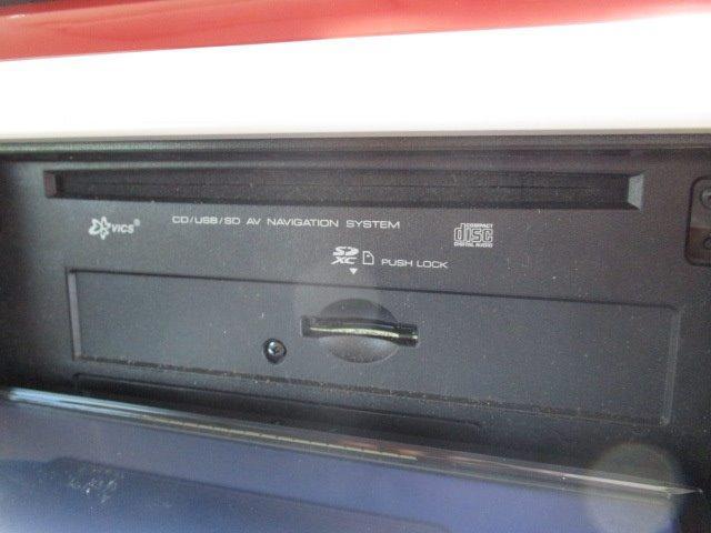 メモリーナビ/ワンセグ/スマートキー/アイドリングストップ/禁煙車/CD/電動式格納ミラー/ベンチシート/アルミホイール/オートライト/車輌取扱説明書/保証書/エアバック(6枚目)